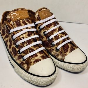 Leopard sequence converse, size 7.5